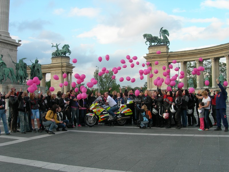 6. Nemzetközi Női Motoros Nap a Hősök Terén