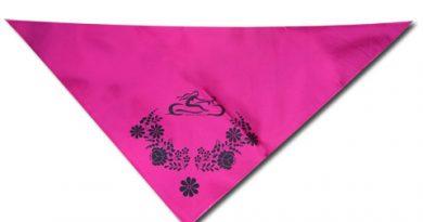 Rózsaszín kendő kalocsai mintával