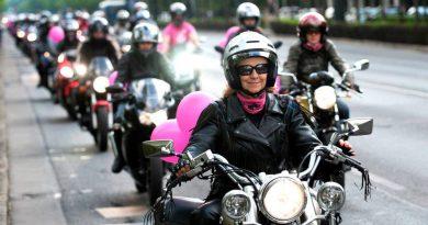 Nemzetközi Női Motoros Nap 2012 - Marjai János, MTI