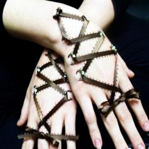 fuzos piercing kezen