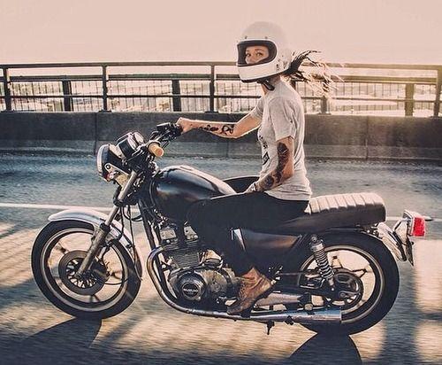 motoros csaj youmotorcycle