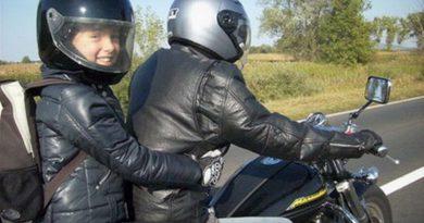 kedvcsinalo motorozni 01