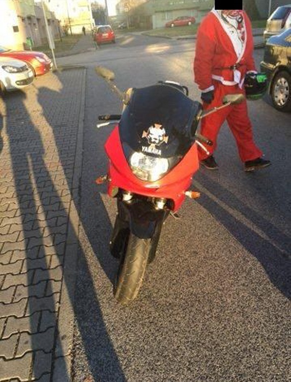 pozsony mikulas lopott motor 2016