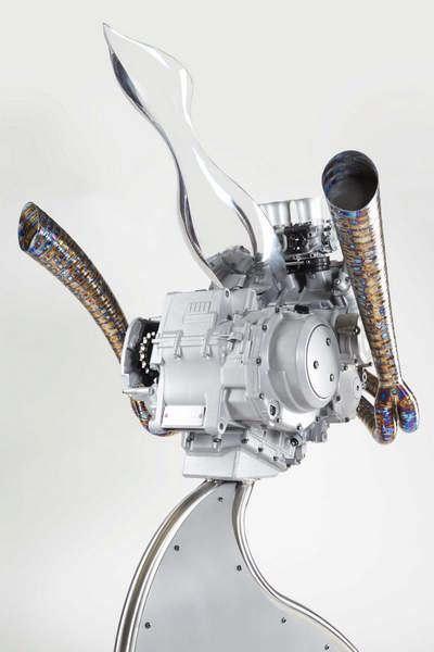 motor szobor01