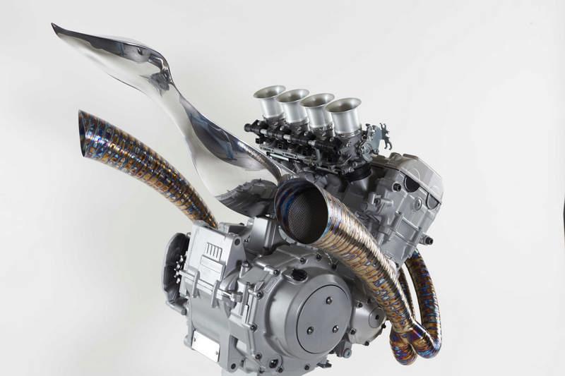 motor szobor05