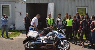 ingyenes vezetestechnikai trening motoros noknek