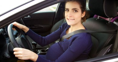 Ingyenes vezetéstechnikai tréning kismamáknak