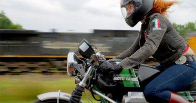 Girl Meets Bike motoros film