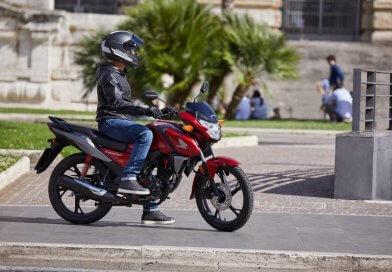 A Honda világszerte kedvelt, örökifjú belépő modelljét tetőtől talpig áttervezték a 2021-es modellévre.