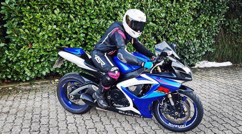 Lipovics Szilvi Németországban élő motoros csaj