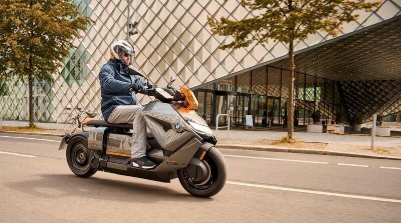 BMW CE 04 elektromos robogó