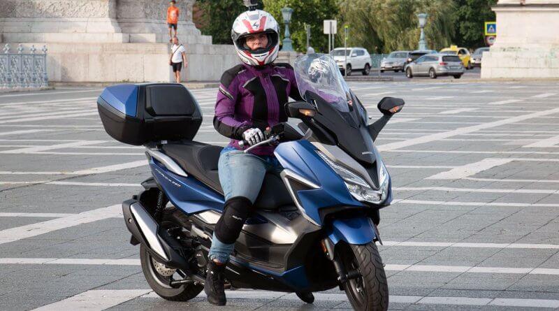 Honda Forza 350 2021 teszt