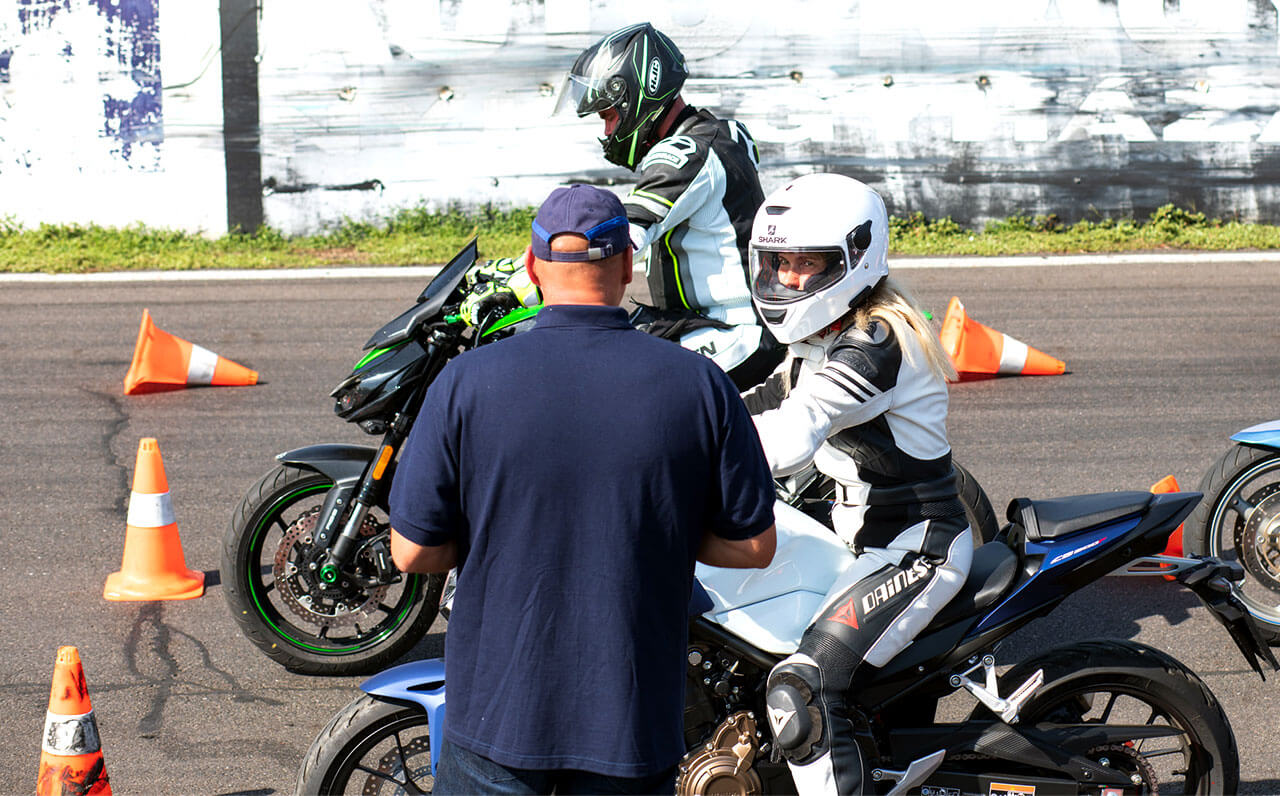 A vezetéstechnikai tréning hasznos